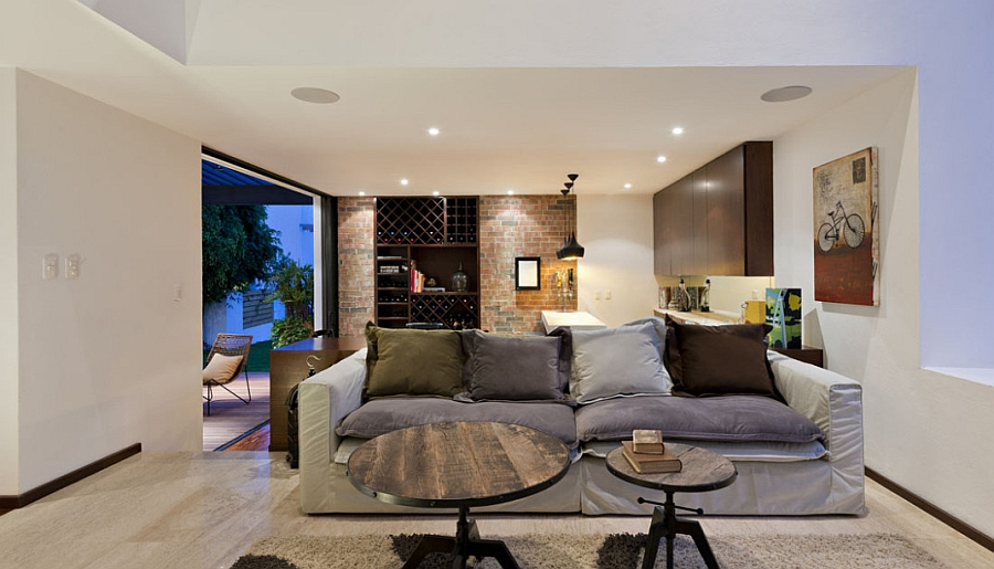 Trendy Home Extension In Mexico Dazzles With Inviting