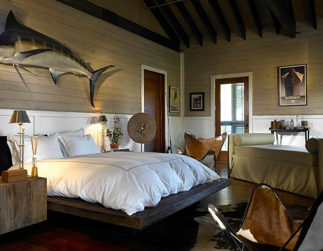 View In Gallery Erfly Chairs Leather Add Comfort To The Eclectic Bedroom By Wolfe Rizor Interiors