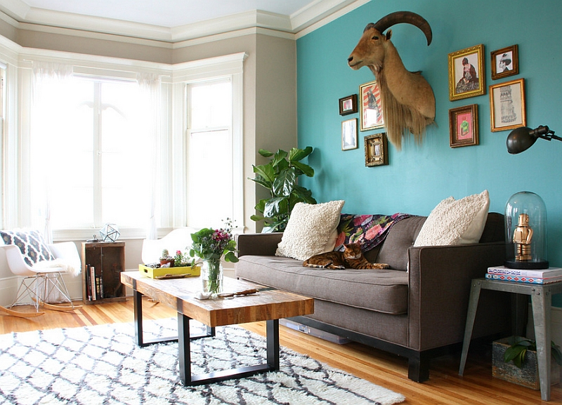 Combine teal with lighter shades for a summer style living room Hot Color Trends: Three Fashionable Hues That Serve You All Year Long Year Trends Three Serve Long Hues Fashionable Color