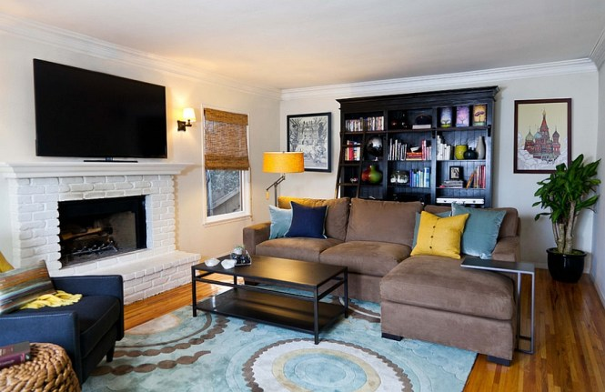Living Room With Small Blue Accents A Cheerful Combination Of Yellow