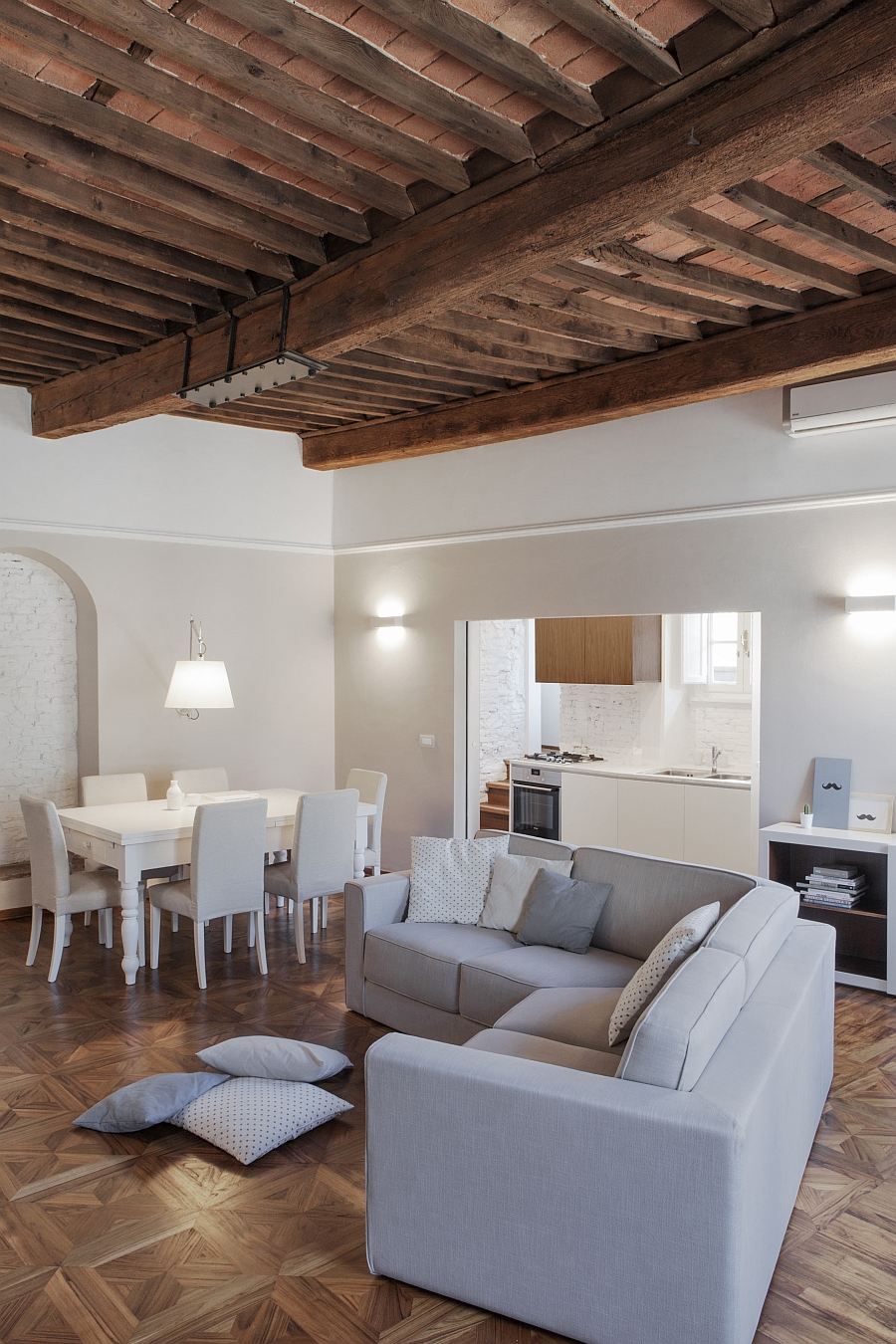 Smart Renovation Of Historic Italian Apartment Contemporary