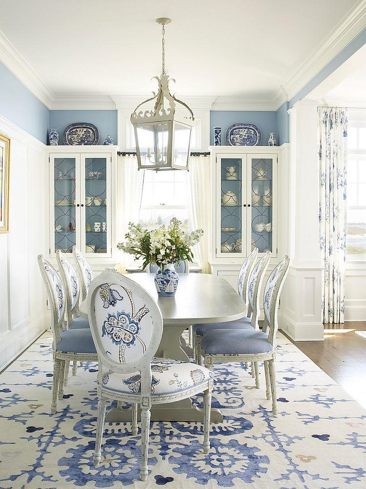 Beach style dining room in classy blue and white [Design: Austin Patterson Disston Architects]
