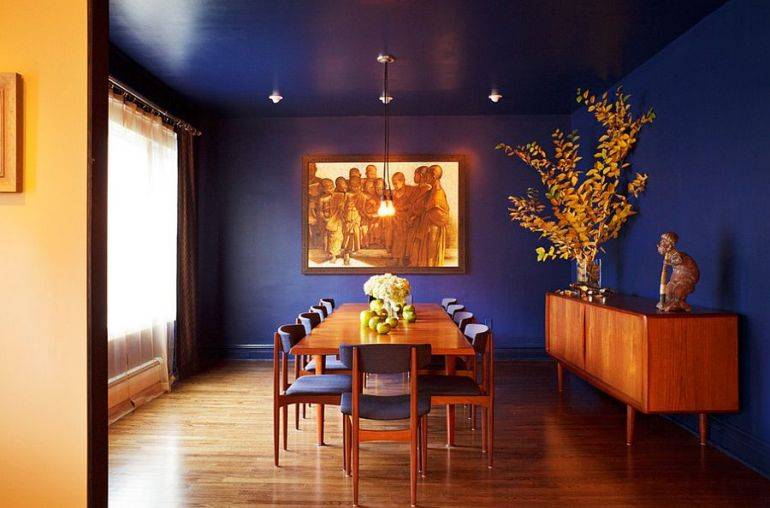 Dining room for those who absolutely love deep and rich blue! [Design: Edward DeLeon]