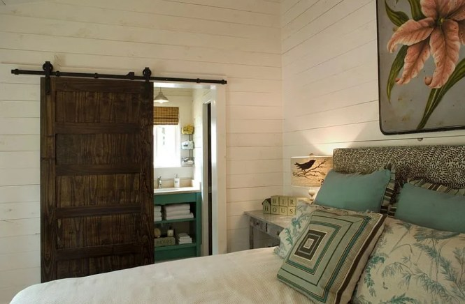 Perfect Door Style For The Cool Rustic Bedroom Design Our Town Plans