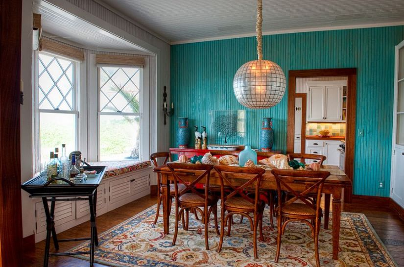 Tropical style meets cottage flavor in this lovely dining room [Design: GH3 Enterprises]