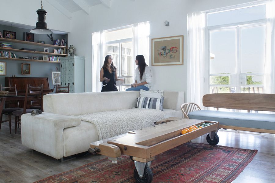 25 coffee tables on wheels to roll in
