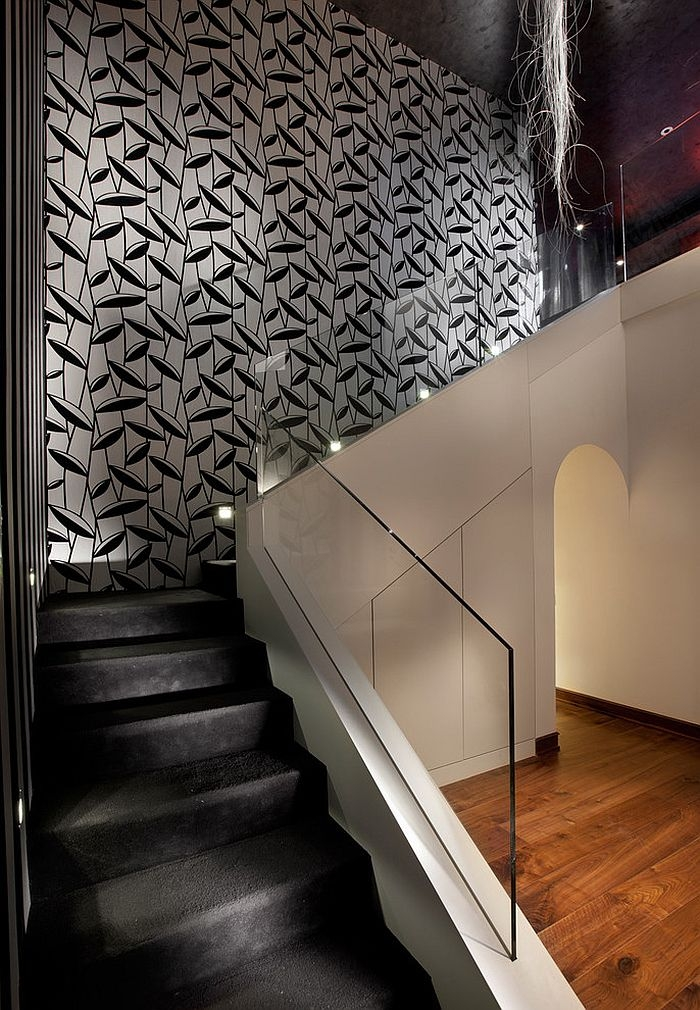 16 Fabulous Ideas That Bring Wallpaper To The Stairway | Interior Design Staircase Wall | Luxurious Home | Unique | Beautiful | Fancy | Building Interior