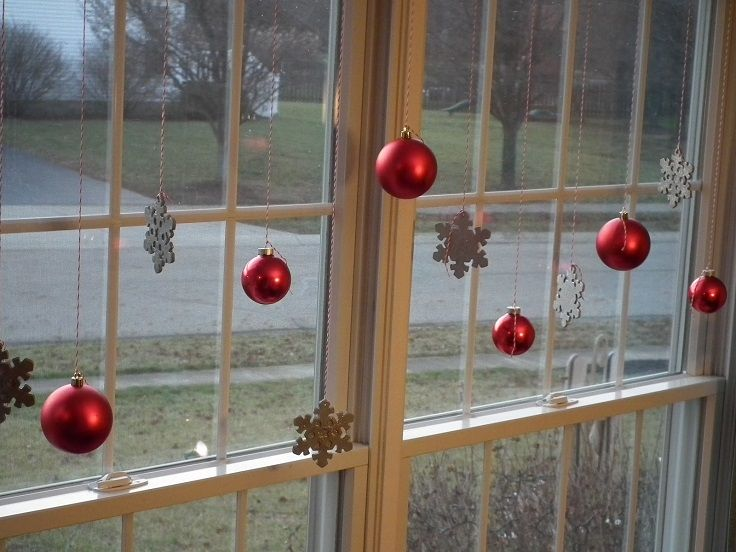 7 Hanging Window Decorations Ornaments For The Holidays