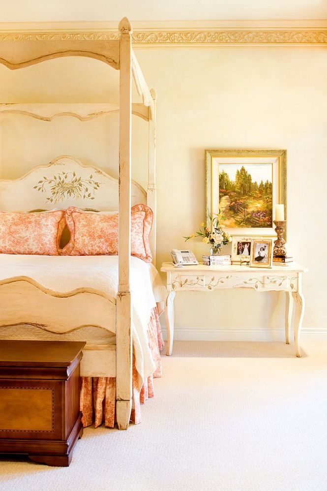 Exquisite Victorian Bedroom In A Tuscan Home Showcases Touch Of Ism Design Linda