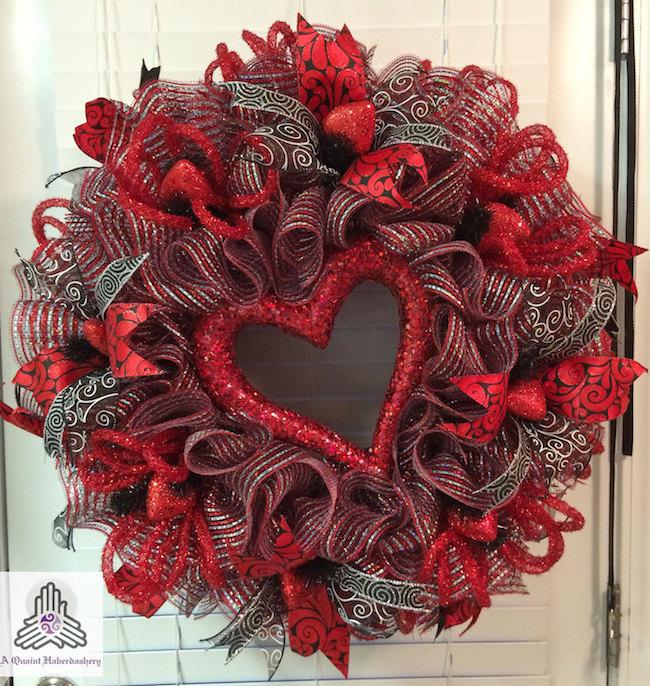 15 Striking Wreath Ideas For Valentines Day