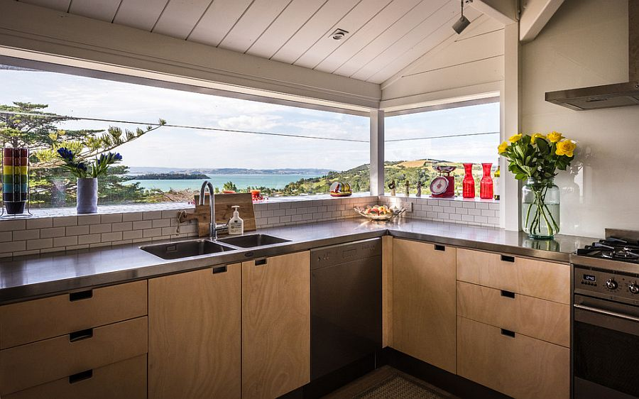 captivating kitchens with an ocean view