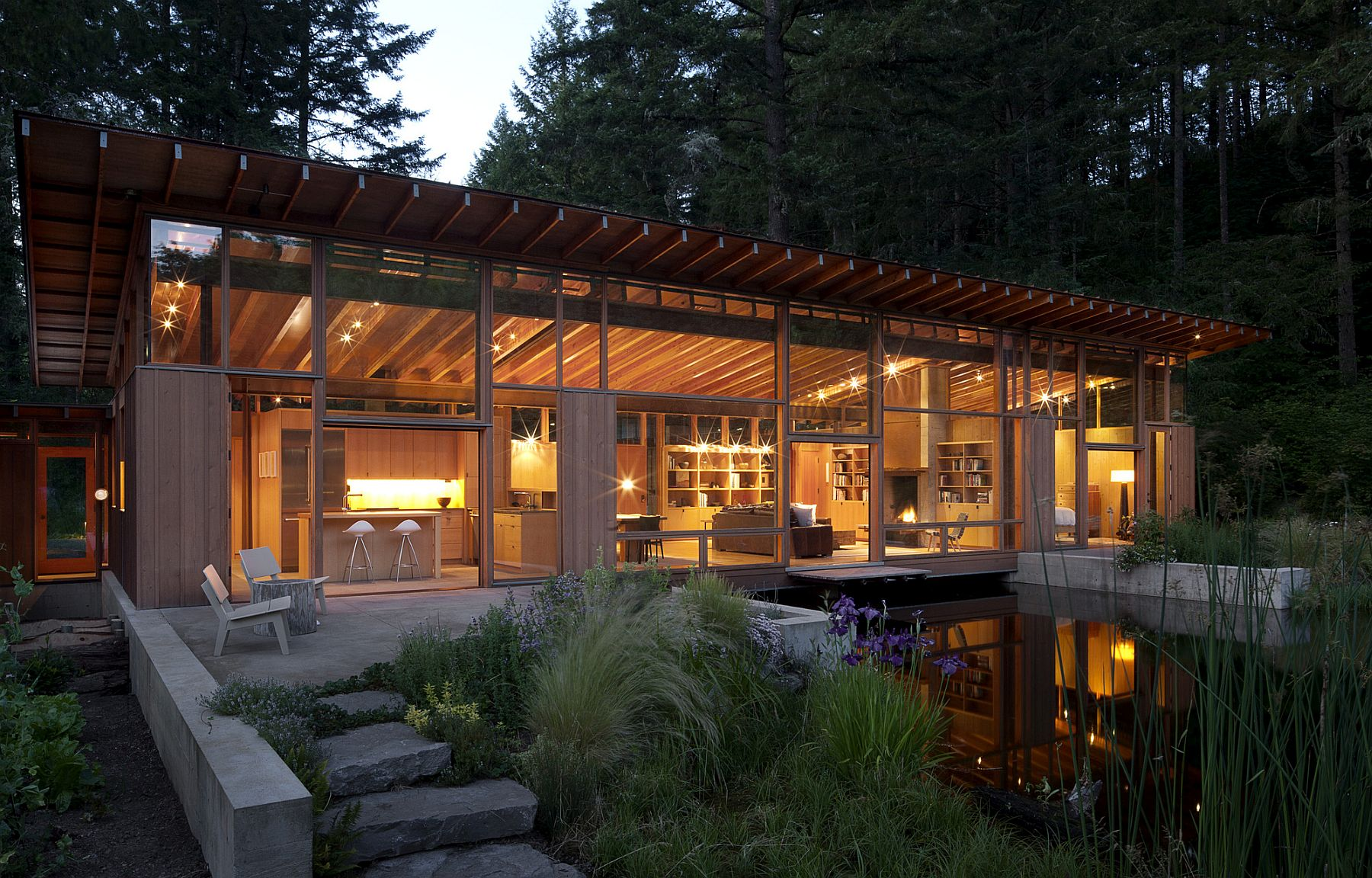 Newberg Residence Exotic Green Escape Built Around A Man