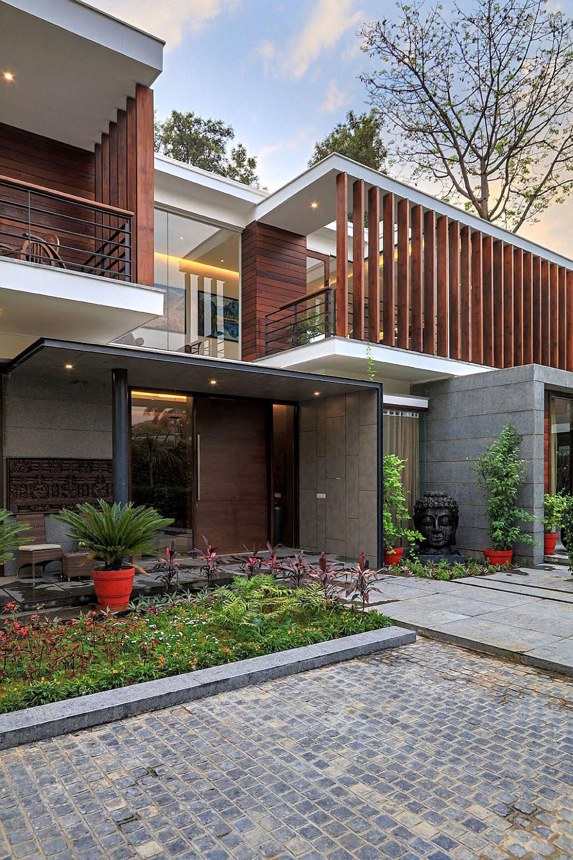 Wooden Slats, Glass Walls and Modern Grandeur: Gallery ...