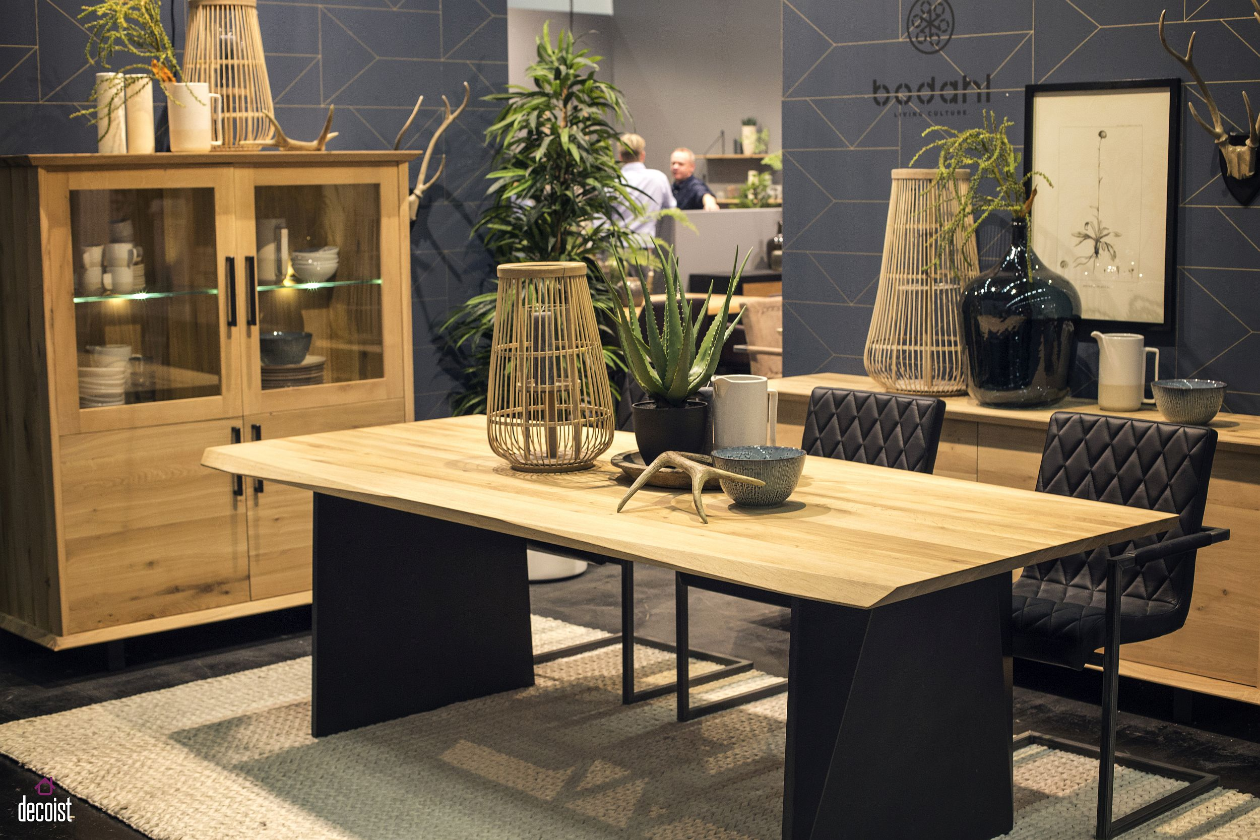 wooden tables to brighten your dining room