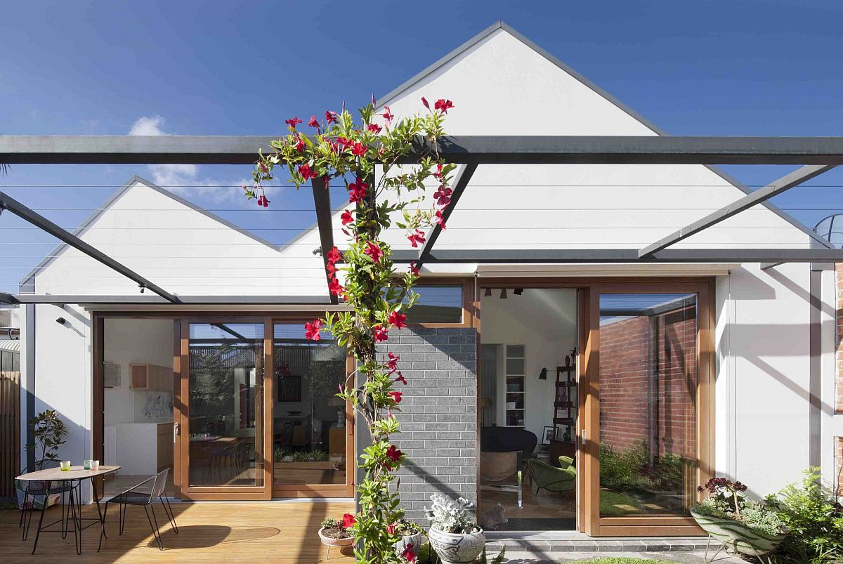 House In House Gray Exterior Cloaks A Relaxing Modern