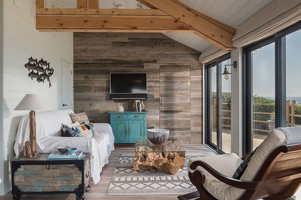 15 Gorgeous Beach Style Living Rooms With A Dash Of Woodsy