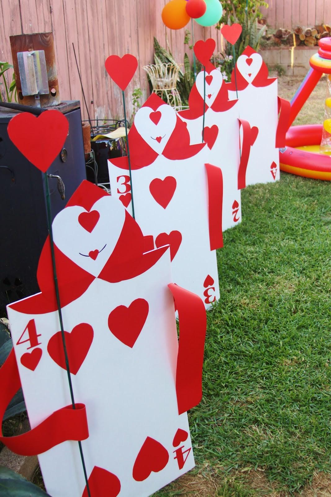 Of The Best Alice In Wonderland Party Ideas That Will Impress Your Friends Photo Gallery Decoratorist