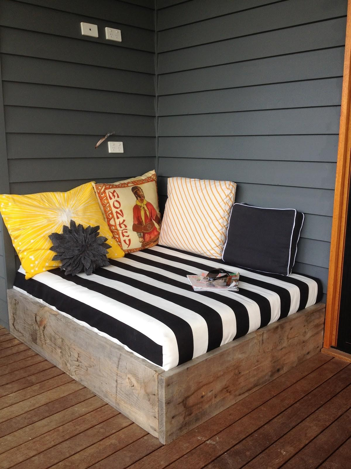 - 29+ Fantastic Diy Pallet Outdoor Daybed That Abound With Elegance