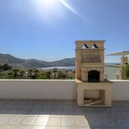 Attractive Stylish Villa Own Pool Easy Walk Sea