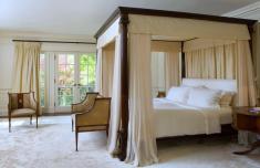 Bedroom Drama Canopy Bed Designs Decor
