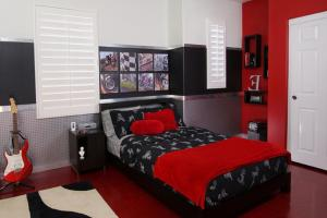 Bedroom Red Decorating Ideas