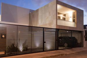 Cereza House Warm Architects