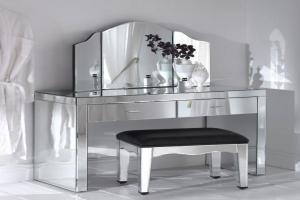 Contemporary Mirrored Furniture Adding Shine