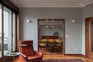 Dazzling Apartments Retro Interiors 1940s Porto