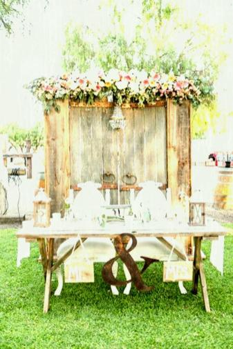 Decorating Wooden Rustic Wedding Table Decor Ideas