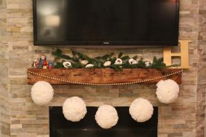 Diy Christmas Pom Garland Simple Stylings