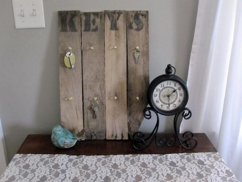 Diy Key Holder Shelf Era Home Design