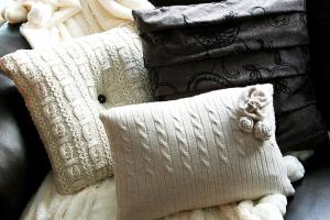 Diy Sweater Pillows Repurpose Sweaters Ideas