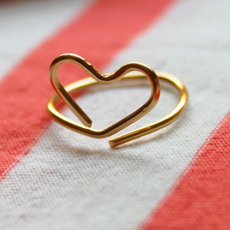 Few Good Things Wire Heart Midi Ring