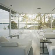 Glass Wall House Modern