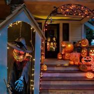 Halloween Costumes 2017 Yard Decoration Displays