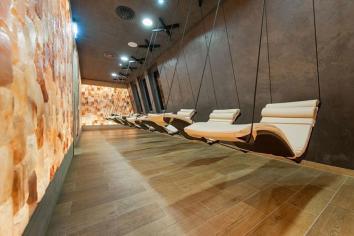Hanging Chaise Lounge Modern Sauna Decorating Ideas
