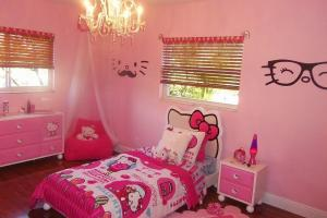 Hello Kitty Bedrooms Delight Wow
