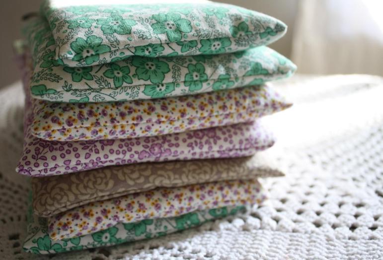 Hungryhippie Sews Diy Simple Luxuries Lavender Eye Pillow