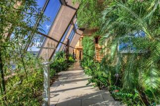 Indoor Gardens Definitely Bring Outdoors