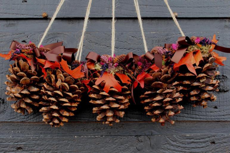 Intresting Pinecone Decoration Ideas Festive