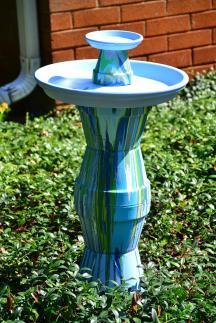 Lovely Diy Bird Bath Ideas Attract Birds Yard