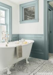 Lovely Small Vintage Bathroom Ideas