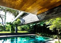 Luxury Sustainable Green Roof House Design Singapore