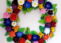Make Egg Carton Wreath Dollar Store Crafts