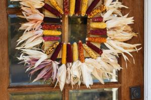 Make Square Corn Husk Wreath
