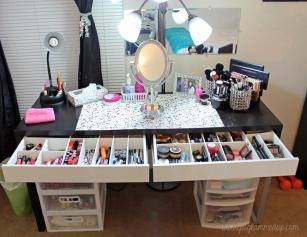 Makeup Brush Organizer Ideas