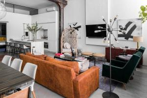Modern Eclectic Finds Industrial Home Heart