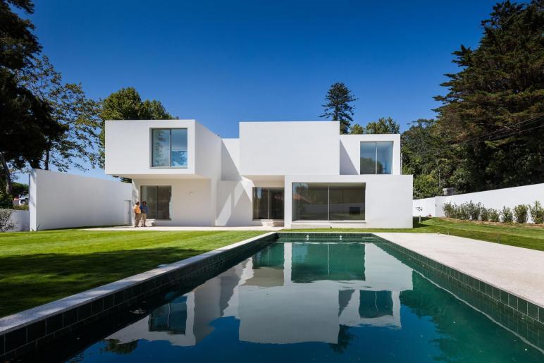 Modern Stacked Rectangular Volume House Design