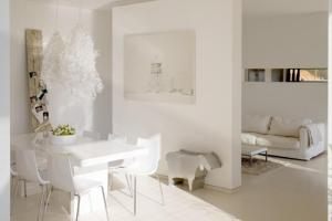 Modern White Interior Decorating Ideas Minimalist House