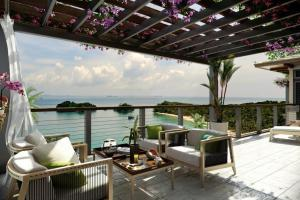 Ocean Patio Bouganvillea Outdoor Lounge